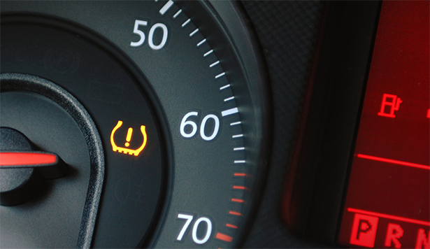 Dashboard showing TPMS warning light